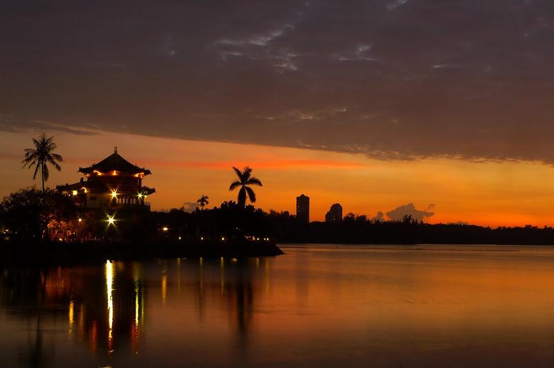 莫拉克颱風前的澄湖夕陽