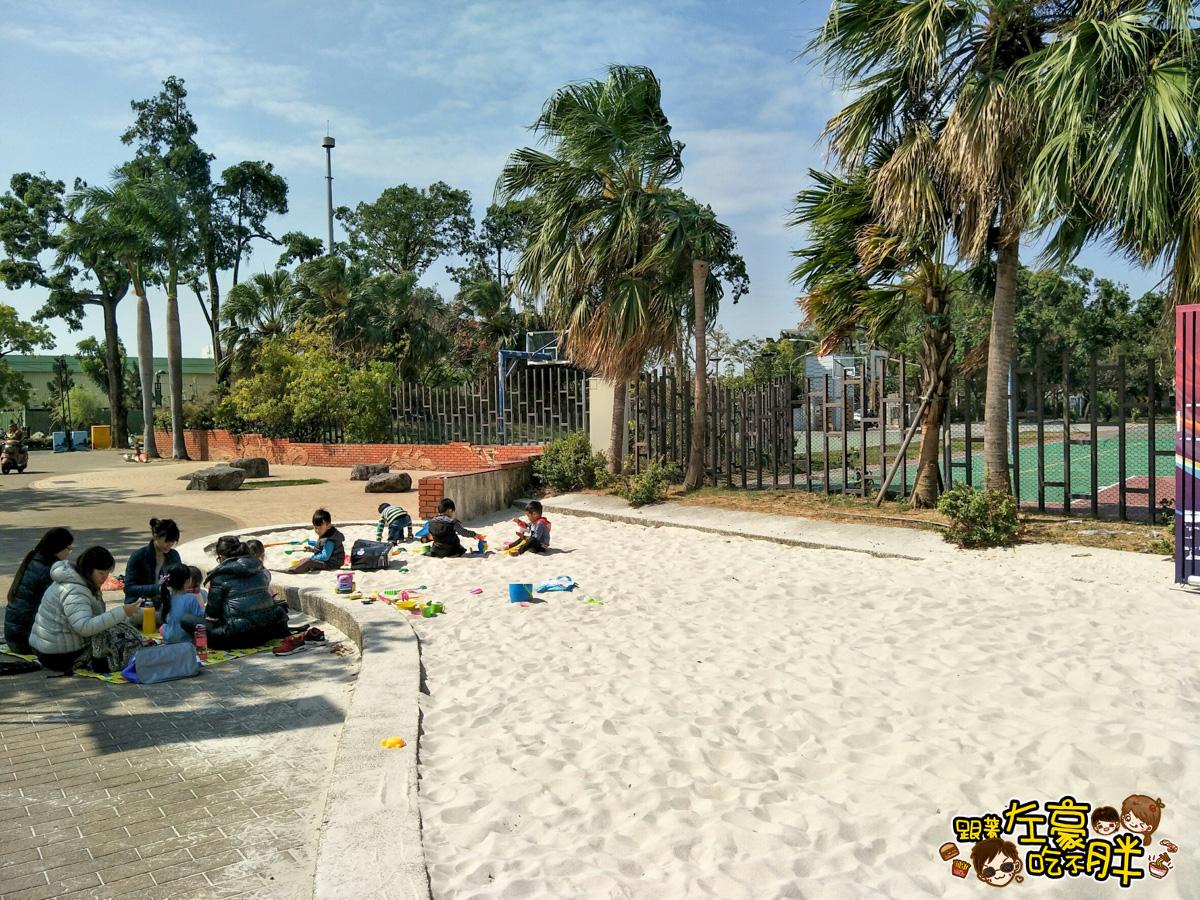 [高雄旅遊] 最新戶外免費白砂灘!通通免費玩,溜小兒的好去處~