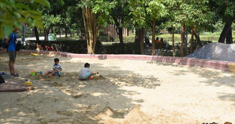 高雄免費景點 兒童美術館 沙坑、草地、親子半日遊景點推薦
